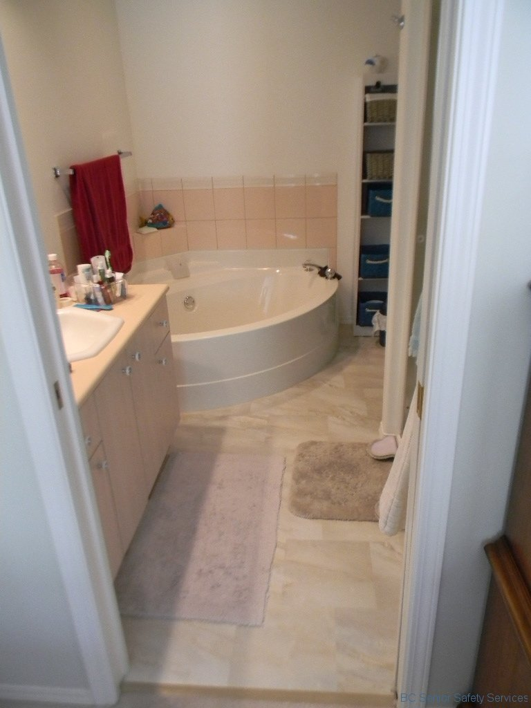 Project 12 - Tub Before b